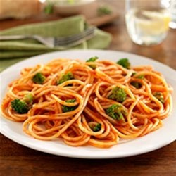 Spaghetti with Broccoli Florets and Traditional Sauce Recipe - With the addition of broccoli florets, this spaghetti with pasta sauce is a complete one-dish meal.