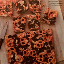 Chocolaty Pretzel-and-Peanut Cookie Bars
