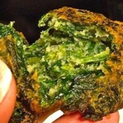 Bunuelos de Espinaca (Spinach Fritters) Recipe - Bunuelos de espinaca are Argentinean spinach fritters that are quick to prepare and are perfect for breakfast, lunch, or snacks.