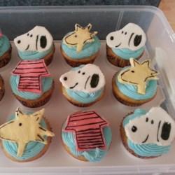 Snoopy cupcakes!