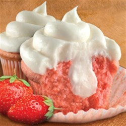 Strawberry Cheesecake Cupcakes Recipe - Duncan Hines strawberry cheesecake cupcakes are deliciously easy to make. The cake mix, cream cheese frosting mix, and a pastry bag are all included in the box.