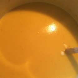 Butternut Soup Recipe - A creamy  butternut squash soup to make in the microwave.  Adapt the recipe to suit your taste, with nutmeg, cloves and a hint of cinnamon.