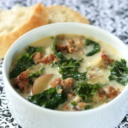 Super-Delicious Zuppa Toscana Recipe - If you love the Zuppa Toscana at your local chain Italian restaurant, you will adore this soup. The rich soup is made with Italian sausage, potatoes, cream, and crushed red pepper. It is truly satisfying and irresistible. Tuck into this on a cold day and you are sure to be warmed all the way down to your toes.
