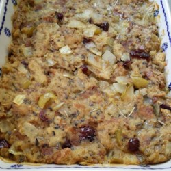 Really Easy Bread Stuffing Recipe - Delicious and super simple to make! This is the stuffing to make if you're looking for simplicity in your stuffing.   You can use either fresh or stale bread in this recipe.