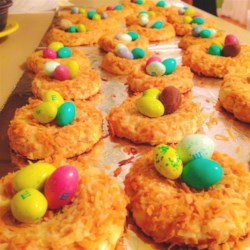 Birds' Nests Recipe - Make cookies that look like bird nests! Pretty for school spring celebrations or Easter. You can use egg-shaped candies in lieu of the jellybeans, too.