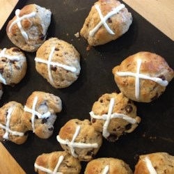 Easter Hot Cross Buns Recipe - Hot cross buns are a traditional, slightly sweet, spiced Easter treat eaten during Lent and on Good Friday.