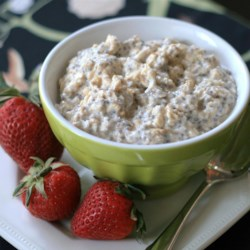 Overnight Chai Oatmeal Recipe - Oats, chia seeds, and almond milk are mixed with a chai tea spices creating a nicely spiced overnight oatmeal for a quick breakfast.