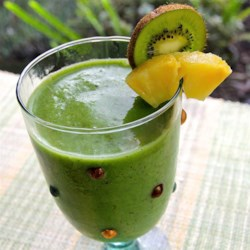 Endless Energy Recipe - Skip your morning coffee in favor of this delicious smoothie made with spinach, pineapple, kiwi, and almond milk.