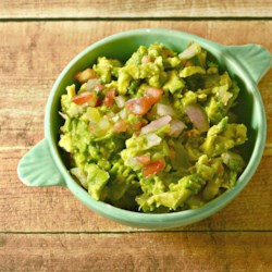 Vitamix(R) Guacamole Sarah's Way Recipe - Guacamole made in the Vitamix(R) blender is a fail-safe way to make everyone's favorite Mexican-inspired dip.