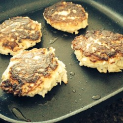 Quick and Savory Tuna Burgers