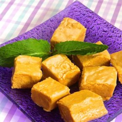 Cookie Butter Fudge Recipe - Cookie butter fudge is an addictive and rich way to eat cookie butter and is ready in less than an hour.