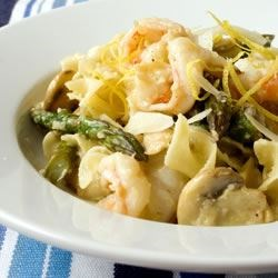 Shrimp and Asparagus Recipe - This recipe is a delicious option for shrimp. Shrimp sauteed with asparagus and mushrooms, tossed with egg noodles.