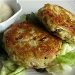 Low-Carb Tuna and Mackerel Cakes Recipe - Tuna and mackerel cakes get a hint of salty flavor thanks to crushed pork rinds added to the batter. Serve with tartar sauce  for an appetizer.