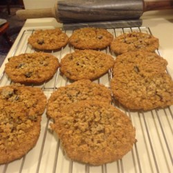 Oatmeal Cherry Walnut Cookies