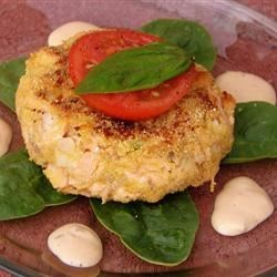 Salmon Patties Recipe - A nutritious and delicious dinner. The patties are good served with either red wine vinegar or cheese sauce. To round out your meal serve salmon patties with a big green salad and french bread.