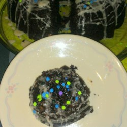 Chocolate Chocolate Chip Bundt Cake Recipe - This recipe uses cake mix and chocolate chips to make an extremely easy cake for the chocolate lover.