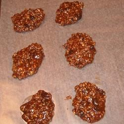 No Bake Fudge Cookies Recipe - Easy to make cookies with children.  No baking is required.
