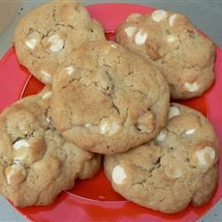 White Chocolate Macadamia Nut Cookies II Recipe - This recipe uses macadamia nuts and white chocolate chips to make a good cookie to serve when company visits.