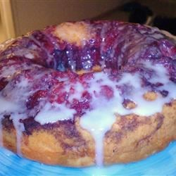 Fresh Berry Coffeecake Recipe - You can use either fresh raspberries or fresh blackberries for this tender and delicious coffee cake. I prefer to toast my pecans in the oven for 3 to 5 minutes to really bring out their flavor.
