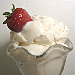 Vanilla Frozen Yogurt Recipe - This frozen yogurt is so much easier than homemade ice cream!