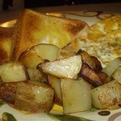 Dad's Kentucky Home Fries Recipe - Golden-brown fried potatoes made with bacon drippings and sweet Vidalia(R) onion. Leftovers keep well in the fridge for a microwave breakfast on the go. For an East Coast twist, add diced green pepper.