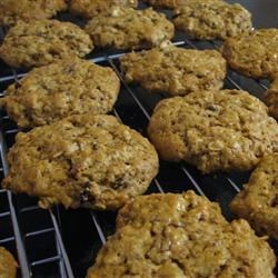 Amish Oatmeal Cookies Recipe - These cookies, inspired by an Amish recipe, cover several bases with the mix of peanuts, raisins, oats, and molasses.