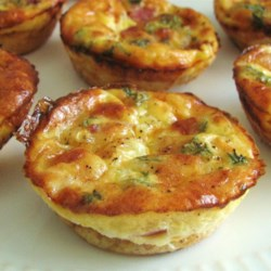 Easy Mini Quiche Recipe - Easy to make mini quiche that are baked in a muffin tin.