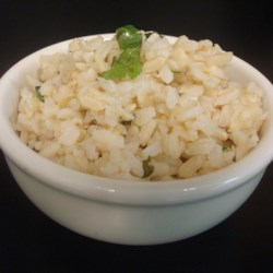 Copycat Chipotle(R) Cilantro-Lime Brown Rice Recipe - This cilantro-lime brown rice recipe is a close spin-off on the popular Mexican-inspired restaurant chain's cilantro-lime rice.
