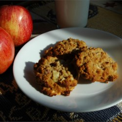 Apple Oatmeal Cookies II Recipe - Lightly spiced oatmeal cookie with all natural ingredients.