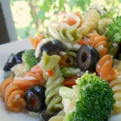 Rainbow Pasta Salad I Recipe - A terrific Italian-flavored pasta salad with broccoli, pepperoni and cheese.