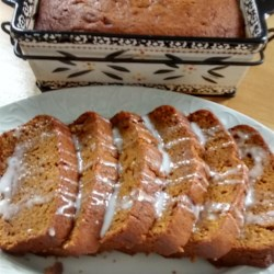 Easy and Delicious Pumpkin Bread Recipe - Pumpkin bread is made easy thanks to the secret ingredient of vanilla pudding mix creating a delicious breakfast treat or snack.