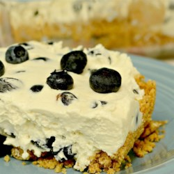 Ultimo's No-Bake Blueberry Squares Recipe - This is an excellent no bake cheesecake dessert with blueberries. Easy to make, and looks beautiful when served.