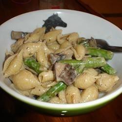 Pasta Shells with Portobello Mushrooms and Asparagus in Boursin Sauce