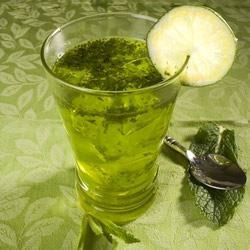 Mint Cooler Recipe - This minty lime juice drink is just what the doctor ordered for a really hot climate!
