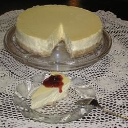 Grand Marnier Cheesecake with Strawberry Topping