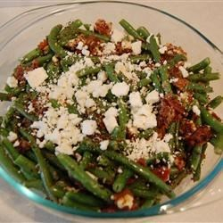 Bacon Feta Beans Recipe - A versatile green bean side dish with crumbled bacon and feta cheese. Your guests will love it!