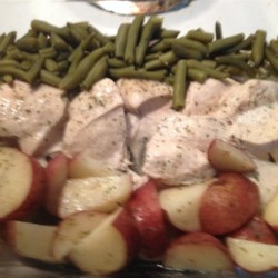 One-Pan Chicken Dinner Recipe - This recipe for 1-dish chicken with green beans and potatoes is perfect to make on busy weeknights.