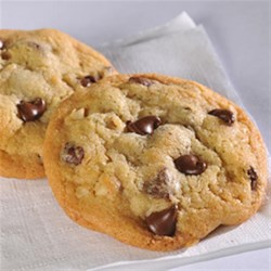 Original Nestle(R) Toll House Chocolate Chip Cookies Recipe - This famous classic American cookie is a treat no matter what the age or occasion. Enjoy it with a glass of cold milk.