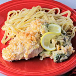 Quick and Easy Chicken Divan Recipe - This casserole featuring chicken and broccoli is a delicious, quick, and easy recipe for any night of the week!