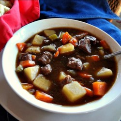 Big Papa's Homemade Beef Stew Recipe - Homemade beef stew with plenty of vegetables and seasonings is the perfect warm and comforting meal for cold evenings.