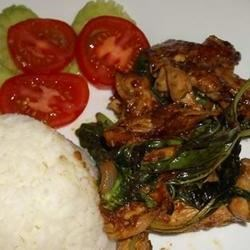 Thai Chicken with Basil Leaves