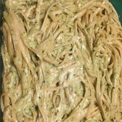 Pasta Poblano Recipe - A mildly spicy poblano pepper flavors boiling pasta, then dives into a rich puree with onion, garlic and heavy cream. Toss the puree with hot pasta and mozzarella cheese, cook the mixture briefly then serve up nice and hot.