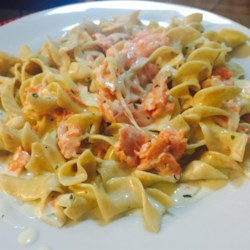 Smoked Salmon Alfredo Sauce Recipe - Can be served with fettuccine, linguine, or penne.