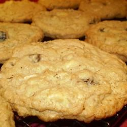 Oatie Chip Cookies Recipe - Chewy chocolate chip cookies made with ground oats and chopped pecans.