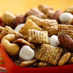 Brown Sugar Spice Chex(TM) Party Mix Recipe - Craving cookies? You have all the same flavors of a brown sugar-spice cookie in this fun party mix, plus the crunch of cereal!