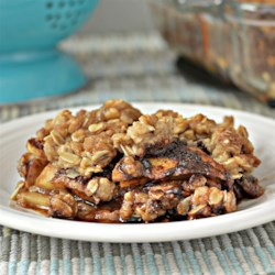 Oatmeal Apple Crisp To Die For! Recipe - This oatmeal apple crisp with plenty of cinnamon is a to-die-for recipe that is also quick and easy to prepare.