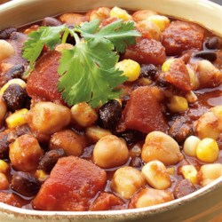 Quick Veggie Chili Recipe - Meat won't be missed in this thick, hearty chili.  It is great for a weeknight, only 20 minutes from start to finish!  This quick chili recipe is a great option for tailgating with vegetarian friends.