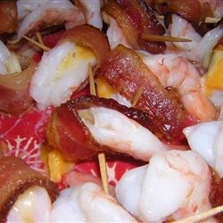 Shrimp Kisses Recipe - A perfect blend of shrimp, bacon, and cheese baked in the oven. What could be better?