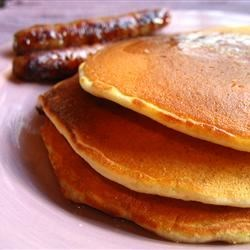 Pancakes I Recipe - A basic pancake recipe with flour, milk and egg.