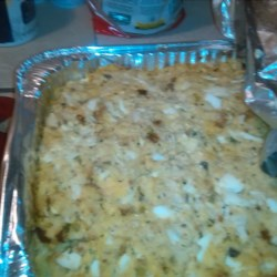 Southern Cornbread Dressing Recipe - This is a delicious and easy dressing recipe using chicken. It can be moist or dry depending on the amount of broth used.